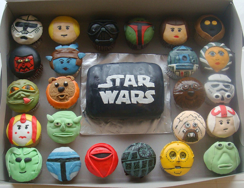 Feast on starwars cup cakes